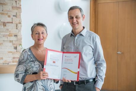 Leiterin Qualitätsmanagement Petra Thiel und Geschäftsführer Edgar Sohm